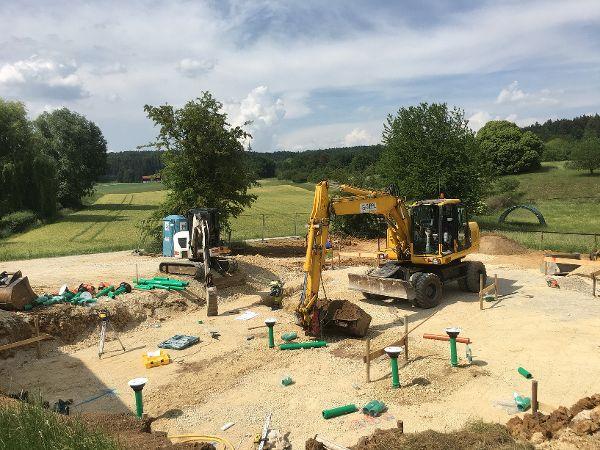 Herstellung der Abwassergrundleitungen unterhalb der Bodenplatte