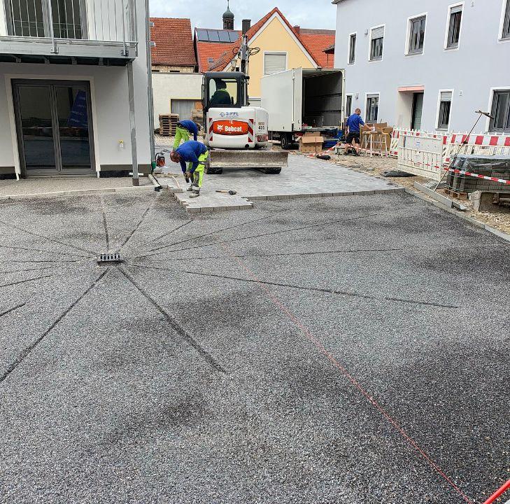 Parkplatzerstellung für ein Mehrfamilienhaus